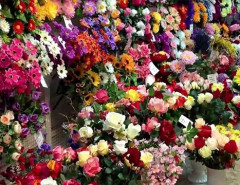 Композиции из искусственных цветов для кладбища