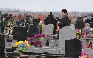 Можно ли ходить на кладбище на православные праздники: мнение церкви