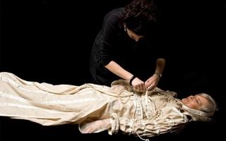 В чем хоронят женщин: православные традиции