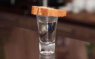 Поминальная трапеза: какие напитки допустимо пить по канонам церкви