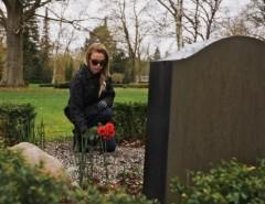 Можно ли обращаться с просьбами о помощи к покойным родственникам