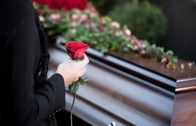Слова скорби на похоронах коллеги по работе: примеры траурной речи