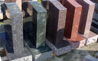 Особенности и виды каменных надгробий
