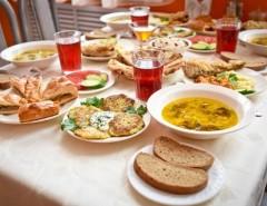 Организация поминок дома на 40 дней: примеры блюд