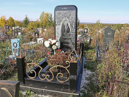 Уместно ли устанавливать на могилу надгробие в виде Iphone