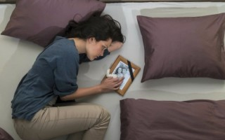 Как начать новую жизнь после смерти мужа: советы психолога