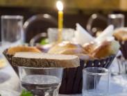 Как организовать поминальный обед: правила составления меню и оформления