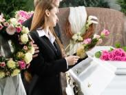 Венки для похоронной процессии: что нужно знать о траурной флористике