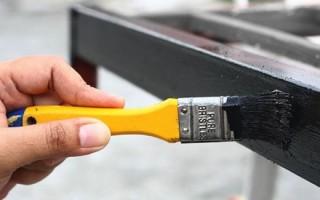 Правила выбора стойкой краски для оградки на кладбище