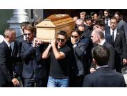 Кто может нести гроб: родственник или другой человек