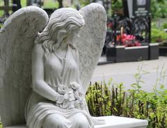 Как красиво облагородить и украсить могилу на кладбище своими руками