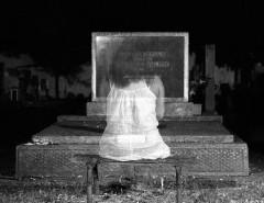 Могут ли появляться призраки и откуда страх встретиться с ними на кладбище ночью