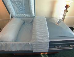 Можно ли использовать один гроб для похорон пары