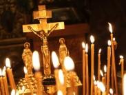 Как почтить память усопшего с помощью поминальных свечей