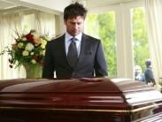 Почему покойника нельзя оставлять одного в доме и как провести ночь в комнате с умершим