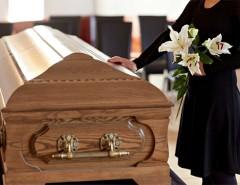 К чему снится видеть себя, лежащим в гробу: толкование