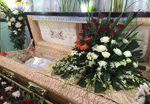 цветы в гробу