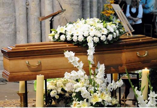 букет на похоронах