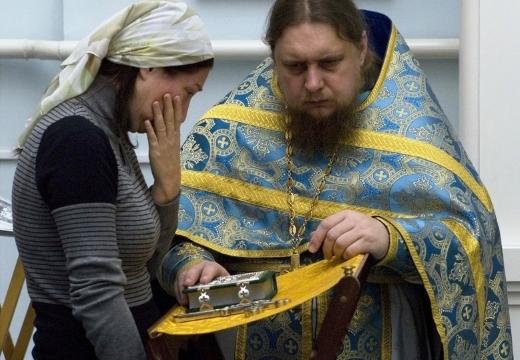 Исповедь у свещеника