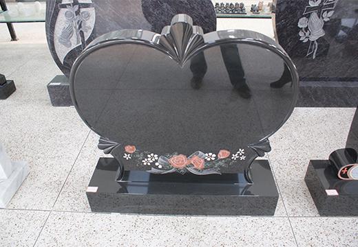 памятник в виде сердца