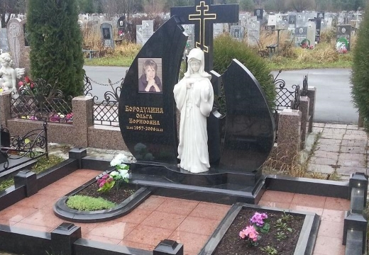 Оформление надгробия плиткой