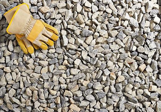 перчатки и камешки