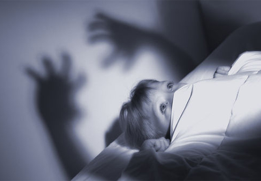 девочке снится кошмар