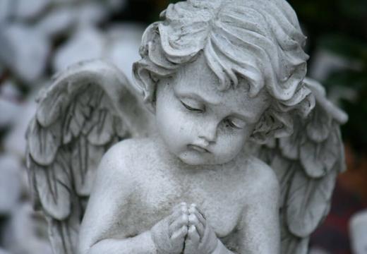 ангелочек статуя
