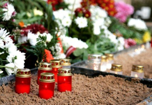 лампады на могиле