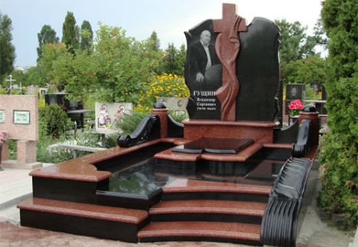 комбинированное надгробие