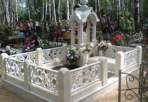 мраморная оградка на могилу
