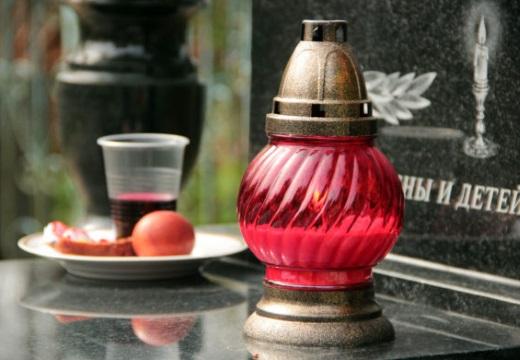 лампадка на надгробье