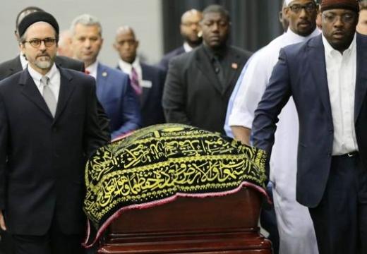 везут гроб мусульманина