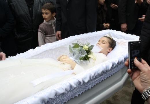 похороны девочки свадебное платье