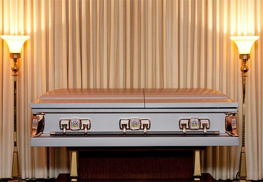 серый гроб
