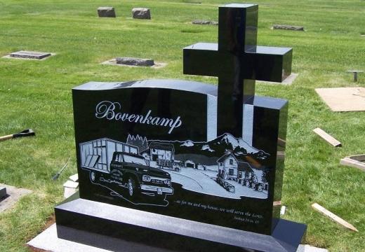 католическое надгробие