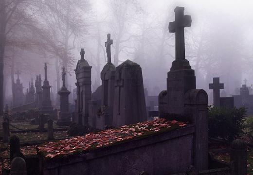 кладбище в сумерках