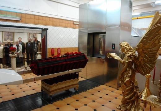 гроб в крематории