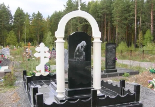 памятник на могилу сзади
