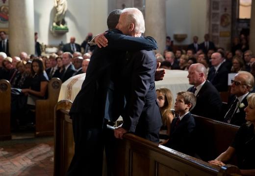 соболезновать на похоронах