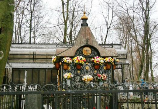 могила святой матроны